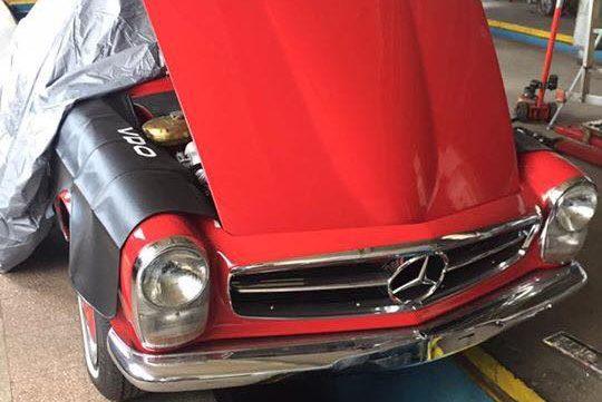 Kompleksowe odrestaurowywanie starych samochodów